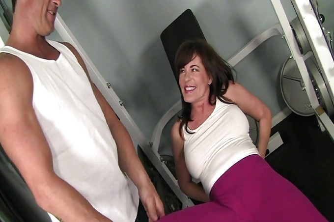 Bella Roxx Seduces Her Big Dicked Personal Trainer