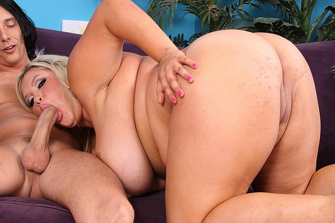Large Tits Chunky Chick Kacey Parker's Secreat Life