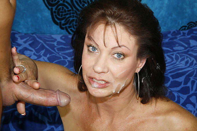 Vanessa Videl Gets Her Hairy Muff Pounded By Scott Lyons