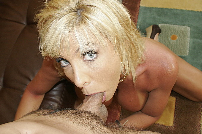 Misty Vonage Gets Balled By Frankie Young