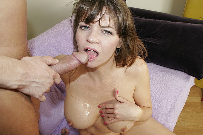 Scotty Lyons Is In Need For Some Mature Pussy