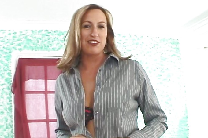 Sexy Milf Gets A Younger Cock To Play With