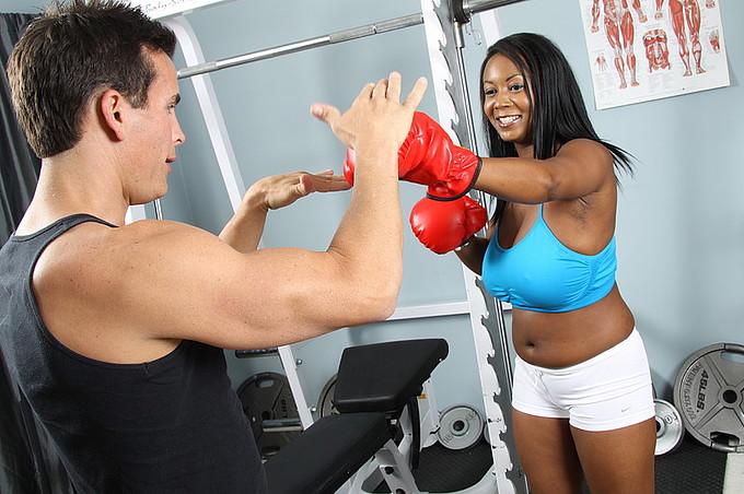 Aileen Ghettman Fucks Sexy Personal Trainer Talon