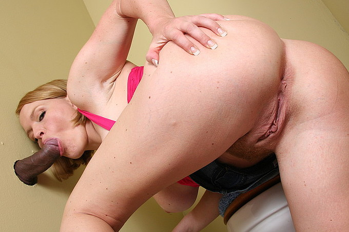 Krissy Lynn Sucks Sledge Hammer In Gloryhole Movie