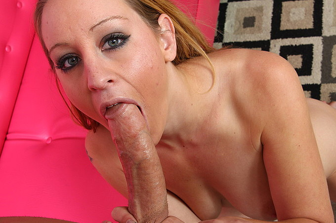Cock Hungy Lizzy London Meets Up With Hung Chris Strokes