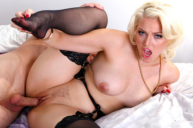 Blonde Hottie Gets Her Tight Pussy Fucked