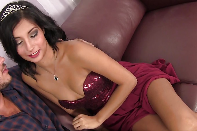 Nasty Hot Bitch Jade Jantzen Is Ready For Love