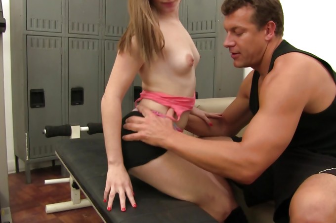 Couple Eat Pussy And Suck Cock In The Locker Room